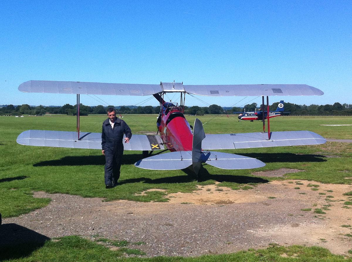 Tiger Moth G-ACDC + Pilot